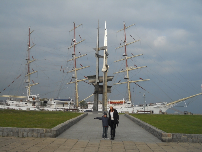 Ship and statue